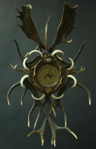 Picture of antlers clock