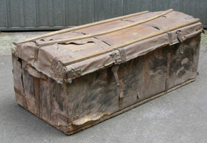Picture of leather trunk n° 222