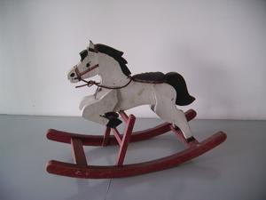 Immagine di cavallo a dondolo
