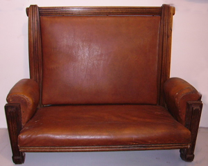 Immagine di 2 divani in cuoio