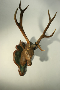 Picture of 3. antlers with carving head