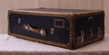 Picture of Mini Wardrobe steamer trunk n°305
