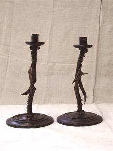 Immagine di coppia candelieri alti in corna di capriolo e legno