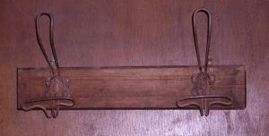 Immagine di appendiabiti da parete con stemmi 2 posti