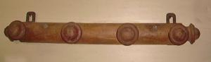 Immagine di appendiabiti da parete rustico legno