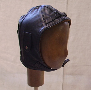 Picture of leather helmet n° 4