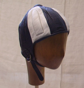 Picture of leather helmet n° 8