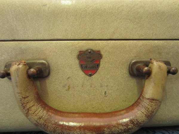 Picture of Suitcase n° 5