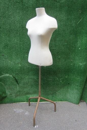 Immagine di busto sartoria anni 40 donna bianco base metallo n°11