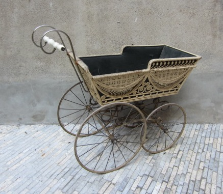 Picture of Wicker stroller
