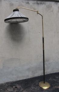 Immagine di Lampada da terra in ottone e cuoio