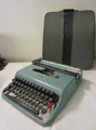 Picture of Olivetti Lettera 22 typewriter