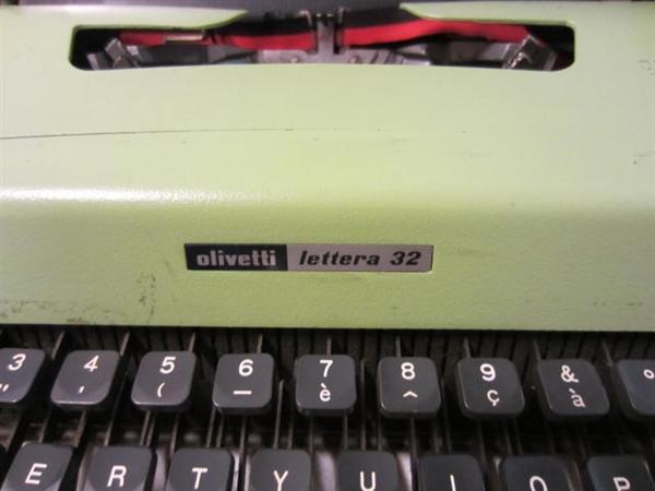 Immagine di Macchina per scrivere Olivetti Lettera 32
