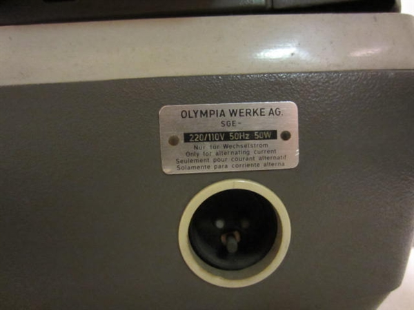 Picture of Olympia SGE Typewriter