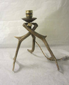 Picture of deer antler table lamp n° 4