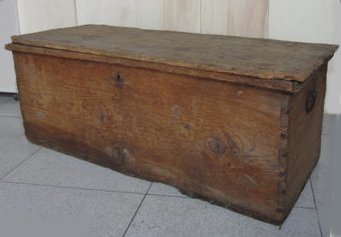 Picture of Wooden trunk n° 206
