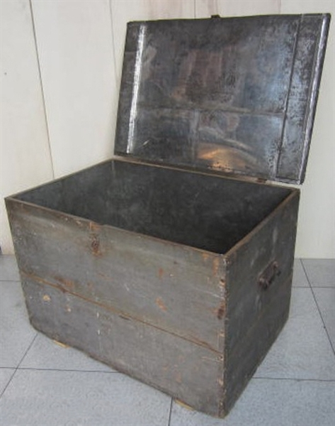 Picture of Wooden trunk n° 207