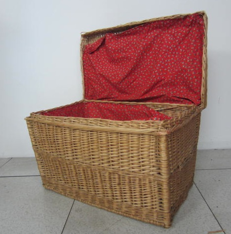 Picture of Wicker trunk n° 1