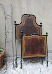 Picture of Wrought-iron bed with painted as wood