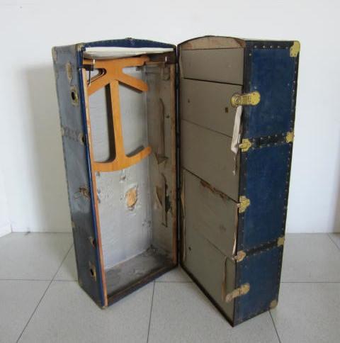 Immagine di Baule da sartoria verticale blu n° 230