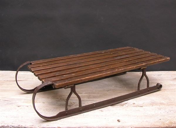Immagine di slittino a listelli in legno e ferro n° 8
