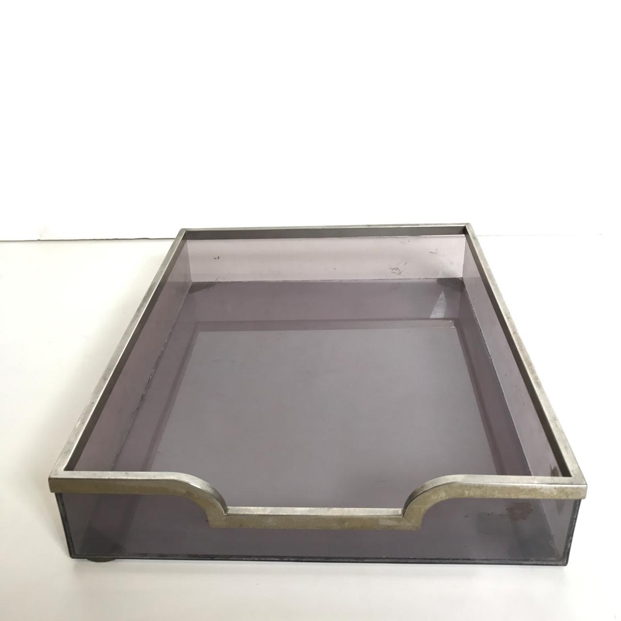 Immagine di Portadocumenti da scrivania in plexiglass violetto di Gabriella Crespi