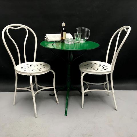 Immagine di tavolino rotondo in ferro