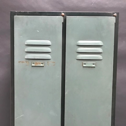 Immagine di Armadietto in metallo a due ante da spogliatoio