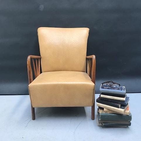 Immagine di Poltrona anni 50 in finta pelle di struzzo