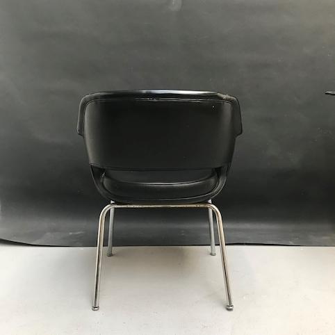 Immagine di Poltroncina da ufficio in sky nero e gambe cromate