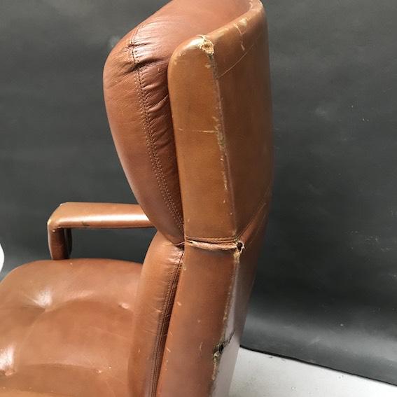 Immagine di poltrona girevole da ufficio anni 70/80 cuoio