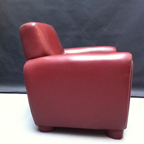 Picture of bordeaux armchair