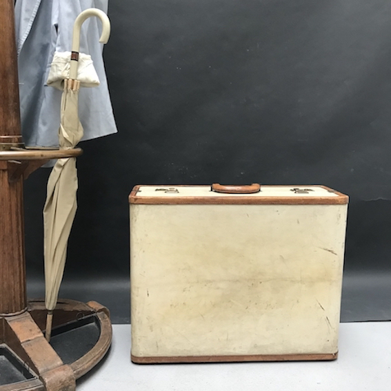 Picture of Suitcase n° 3