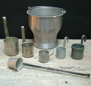 Picture of Meausuring cups and spoons