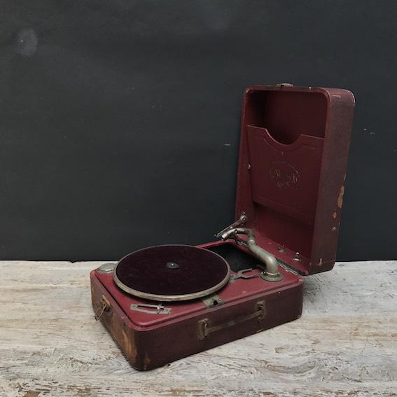 Immagine di grammofono valigetta Carisch
