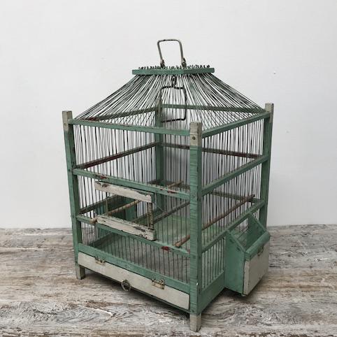 Immagine di gabbia in legno verde chiaro