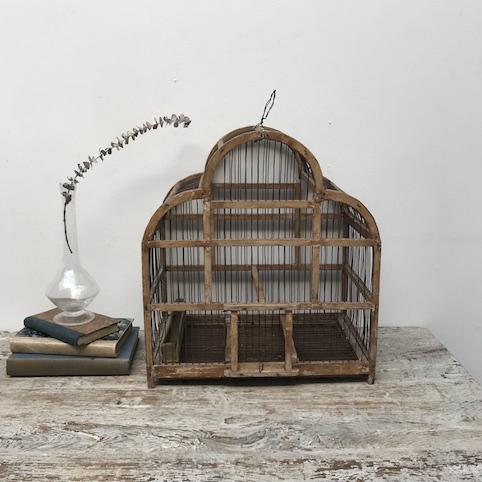 Immagine di gabbia legno trilobata