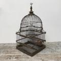 Immagine di gabbia legno cupola base quadrata