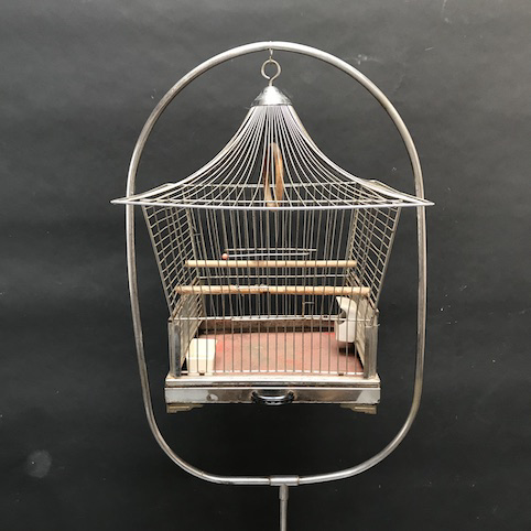 Immagine di Gabbia cromata a pagoda con porta gabbia