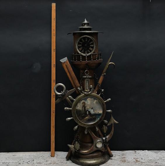 Immagine di Orologio da tavolo a forma di faro con bussola e termometro