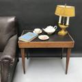 Immagine di Tavolino da salotto anni 50 in legno e cuoio