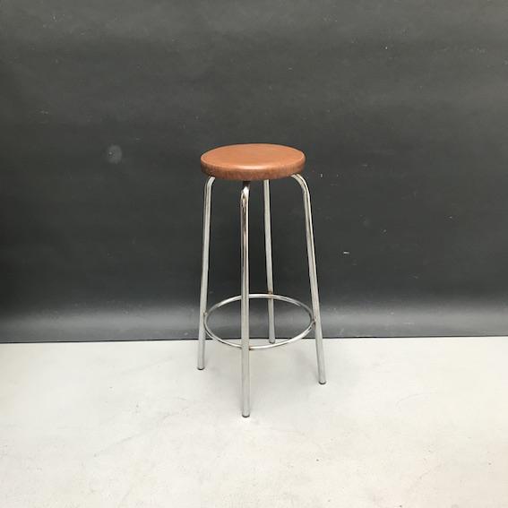 Immagine di sgabello seduta skai marrone gambe cromo