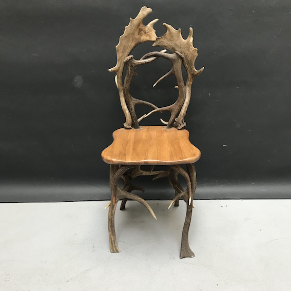 Picture of Chair made with deer and roe deer antlers
